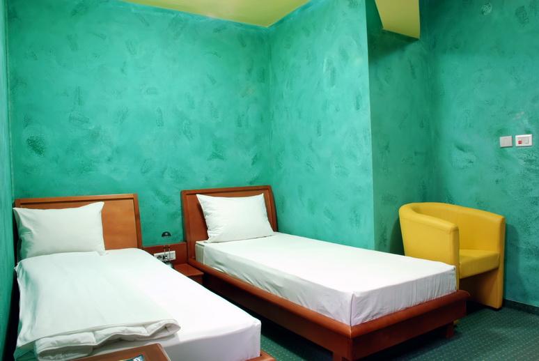 Lucrator hotel